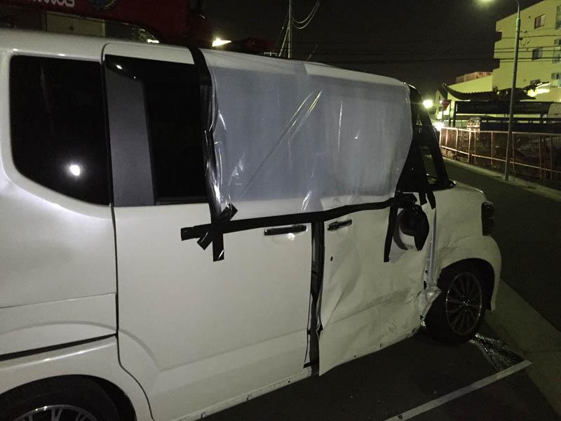 横から追突されたN BOX(事故車)