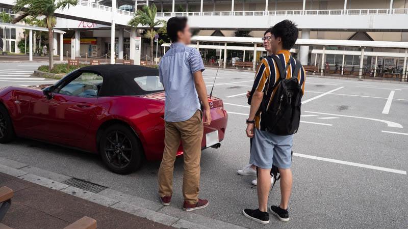 沖縄小禄駅でAnycaの車の受け渡し(MAZDA ロードスター)