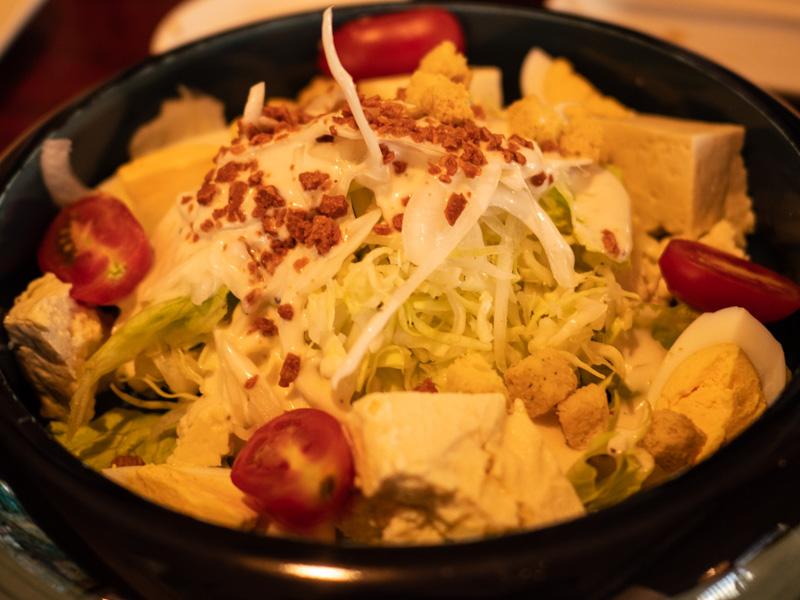 割烹常(沖縄)の豆腐サラダ