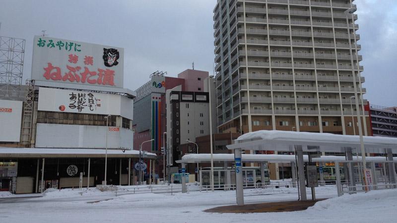 早朝の青森駅(2012年1月)
