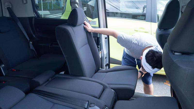 カーシェアを使って引越しする際は、車内が広くフルフラットにできるものを選ぶ(タイムズカーシェア:ノア)