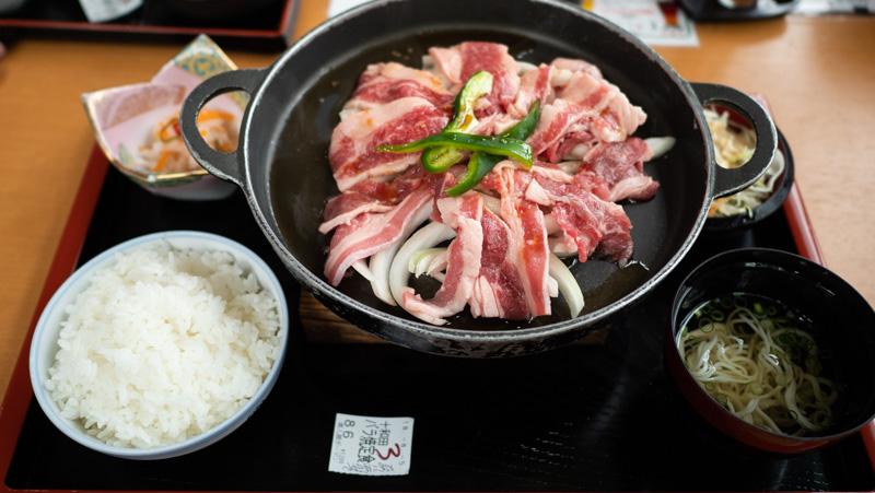 道の駅おいらせの十和田バラ焼き定食